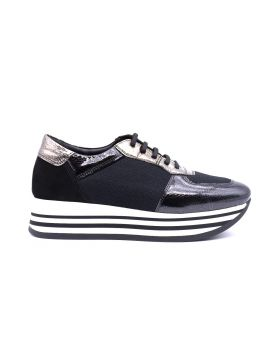 Women's sneaker platform in patent and fabric