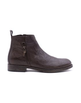 Man ankle boots in hand-aged leather