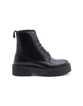 Woman ankle boot calf